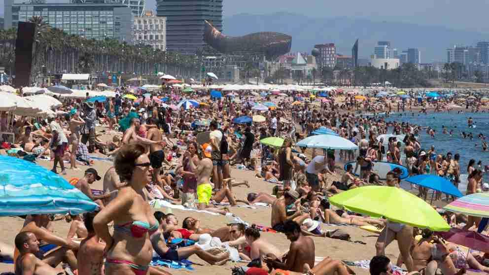 Optimismo de viajeros españoles, el 44% considera que el nuevo gobierno impulsará el sector turístico 1
