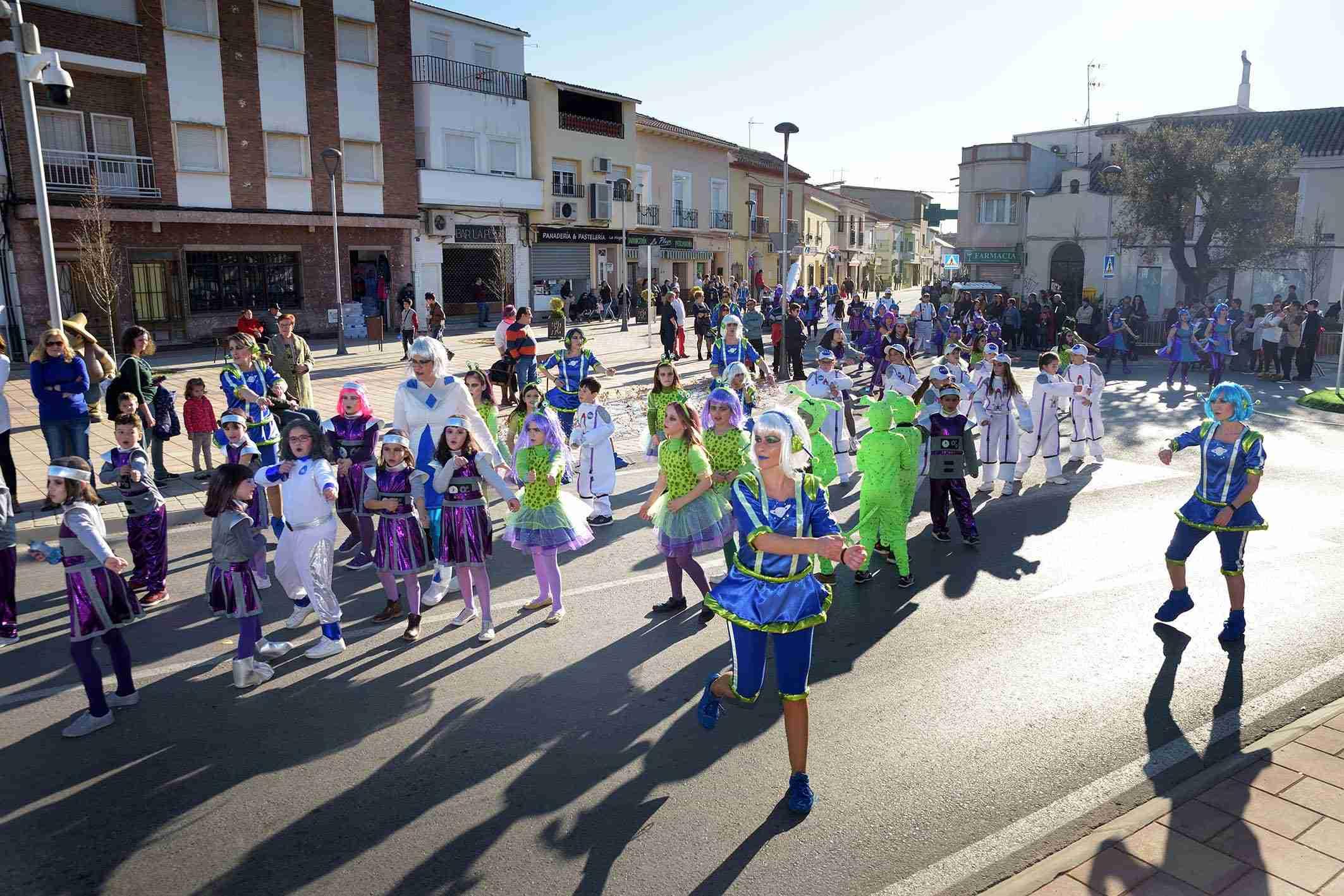 Cientos de niños participaron en el Desfile de Comparsas Infantiles de Argamasilla de Alba 28