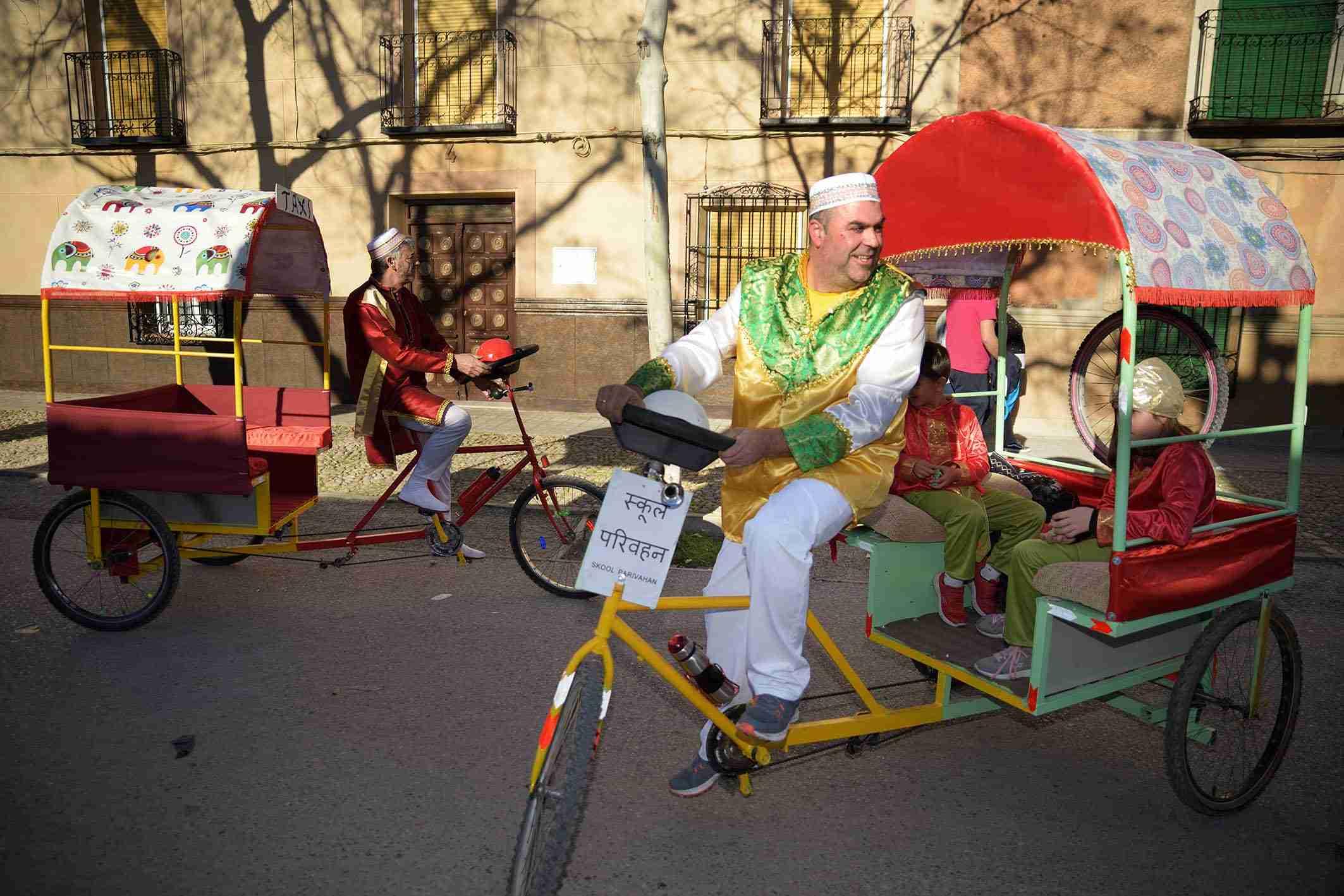 Ritmo, color y mucha originalidad en el Desfile de Comparsas 2020 de Argamasilla de Alba 34