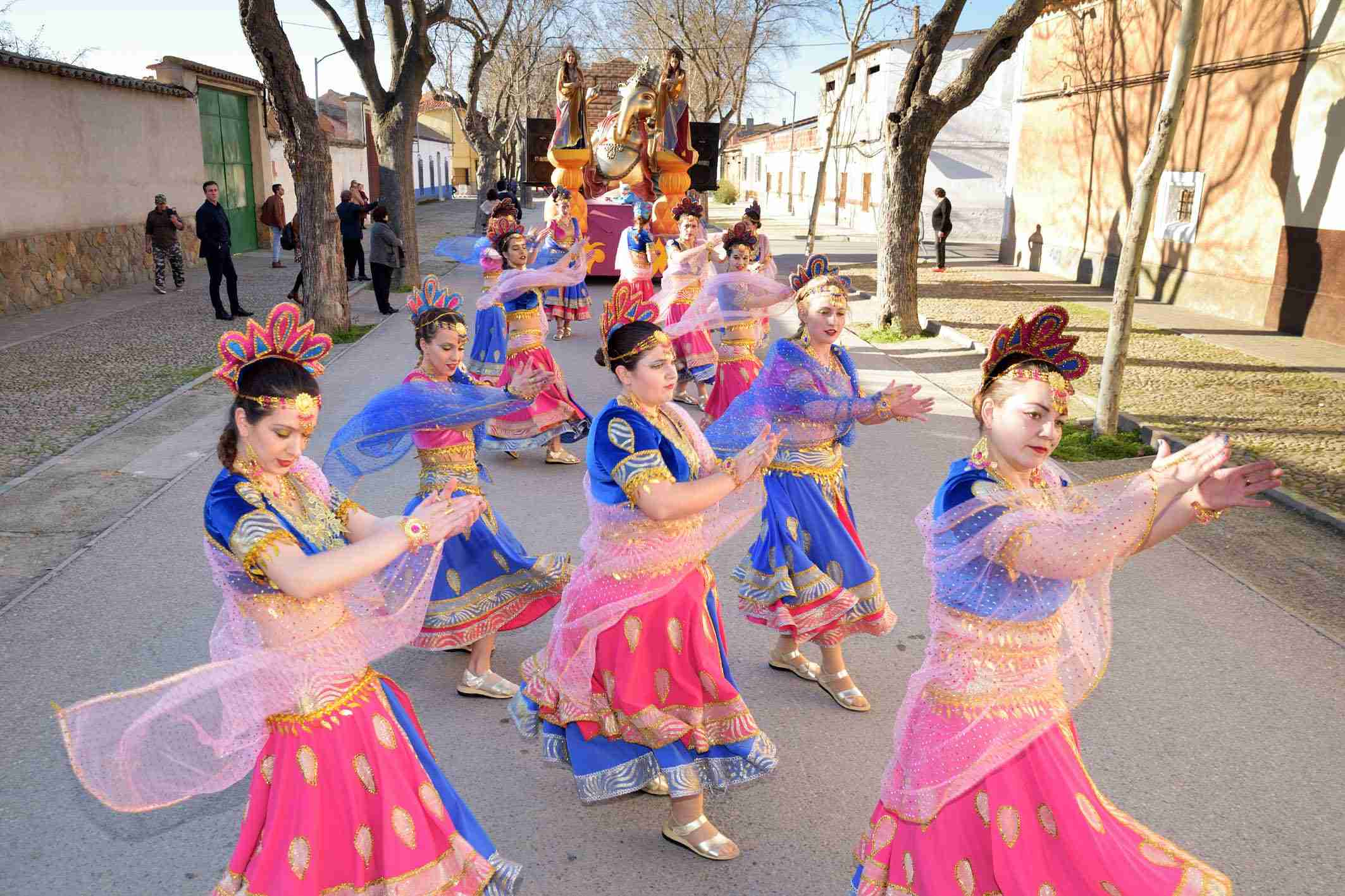 Ritmo, color y mucha originalidad en el Desfile de Comparsas 2020 de Argamasilla de Alba 35