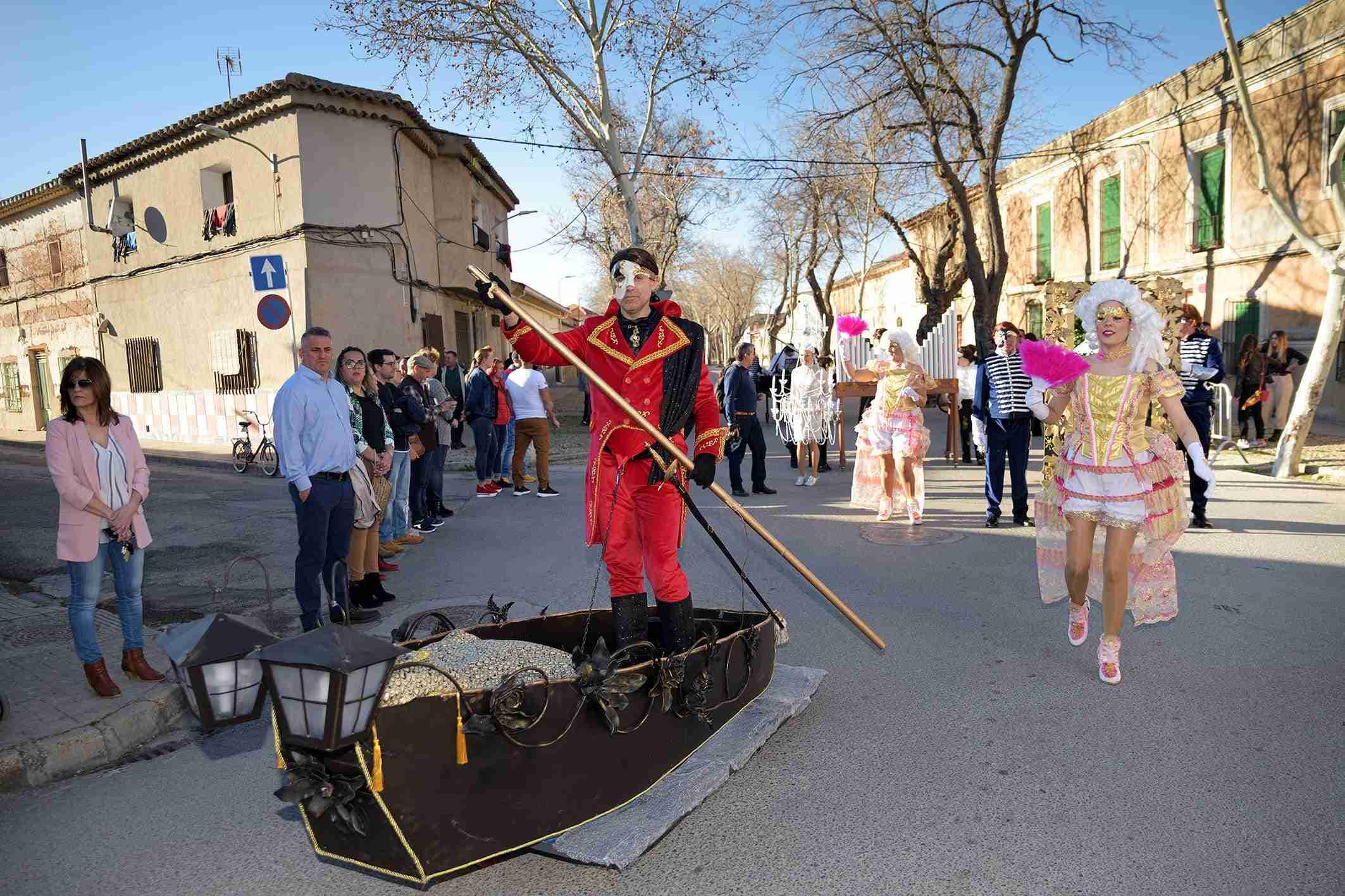 Ritmo, color y mucha originalidad en el Desfile de Comparsas 2020 de Argamasilla de Alba 36