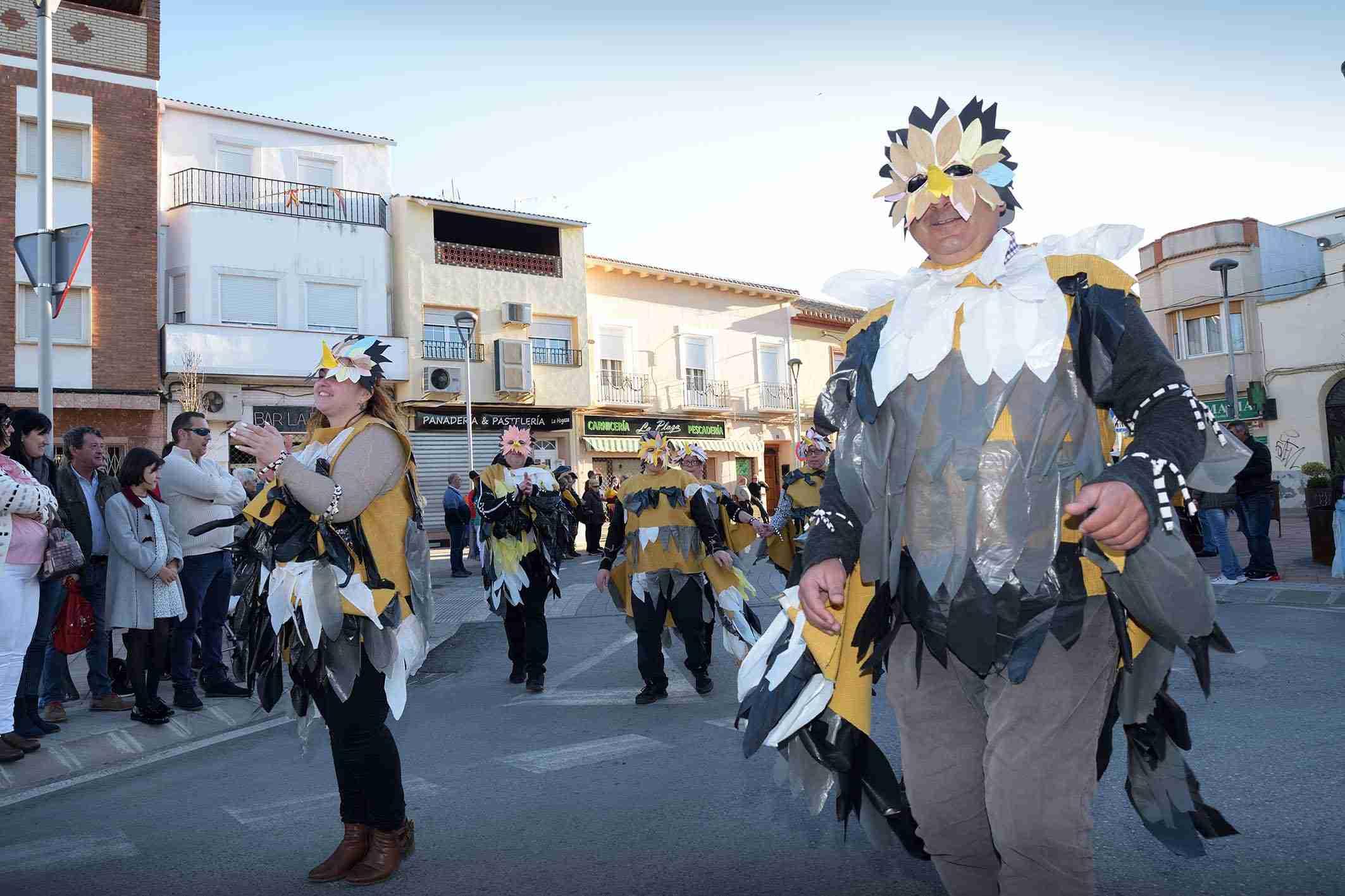 Ritmo, color y mucha originalidad en el Desfile de Comparsas 2020 de Argamasilla de Alba 37