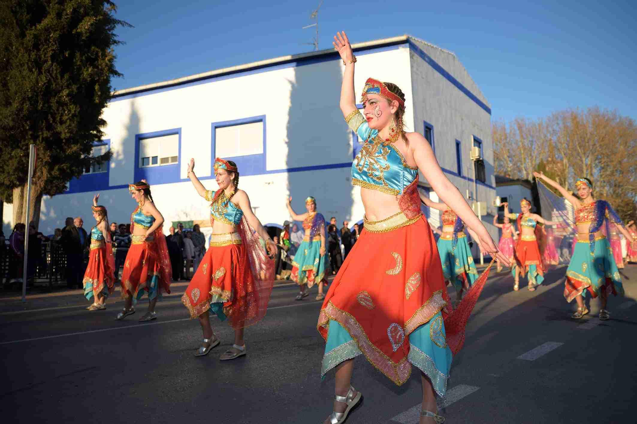 Ritmo, color y mucha originalidad en el Desfile de Comparsas 2020 de Argamasilla de Alba 41
