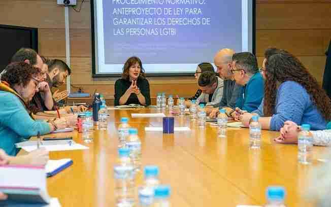 Gobierno regional y entidades trabajan en la elaboración del borrador del anteproyecto de Ley LGTBI de Castilla-La Mancha 1