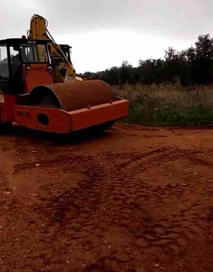 El Ayuntamiento de Villarrubia de los Ojos arregló más de 23 kilómetros de caminos en otoño e invierno 1