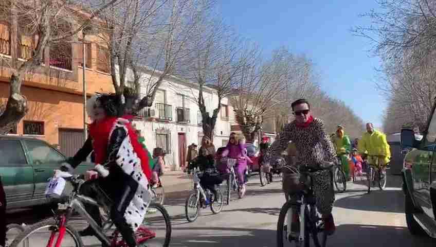 """Solidaridad, deporte y tradición """"pedalean"""" en el V Carnabike 3"""