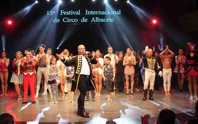 Reconocimiento del Gobierno regional al Festival Internacional del Circo y su espacio escénico en los Premios Cirquijote 1
