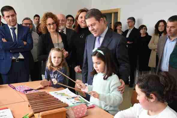 El Gobierno de Castilla-La Mancha sacará anualmente, a lo largo de la legislatura, oferta pública de empleo en el sector de la enseñanza para facilitar la consolidación de plazas de interinidad 1