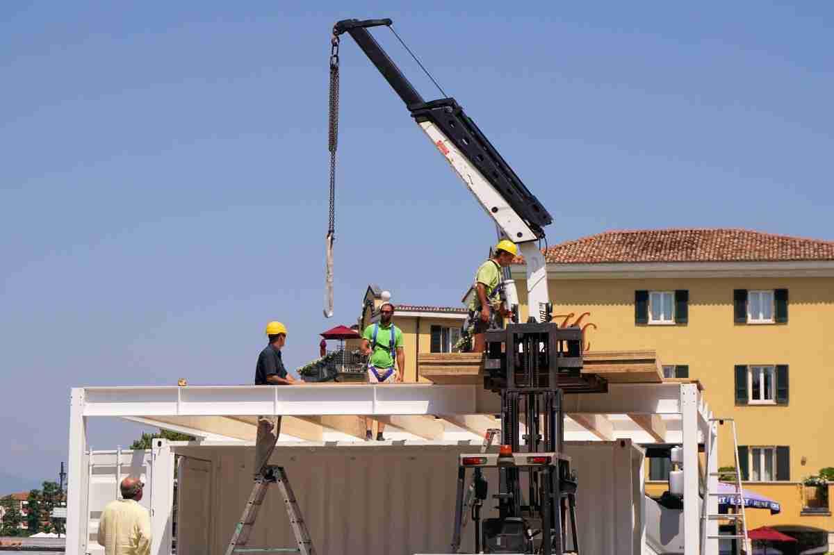 Arquitectos, técnicos e Ingenieros de Obras, solicitan el cierre temporal de la construcción 3