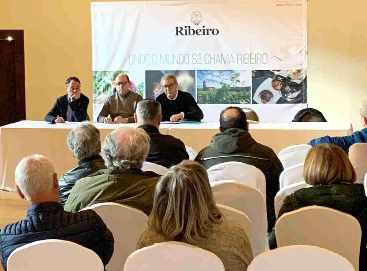 conferencia debate organizo en Ourense la D O Ribeiro