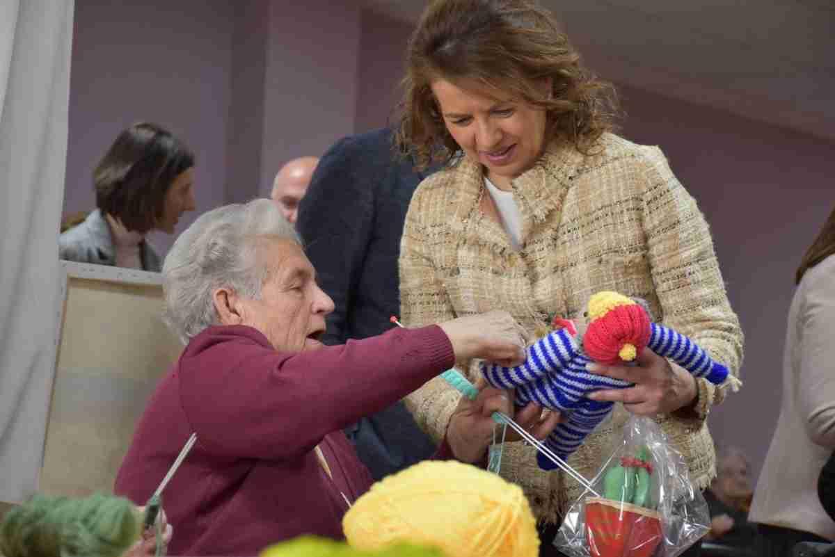 consejera de bienestar asistio al X aniversario de residencia de mayores virgen de rus