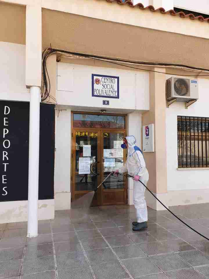 Villarta de San Juan desinfecta calles y lugares de tránsito para combatir el coronavirus 4