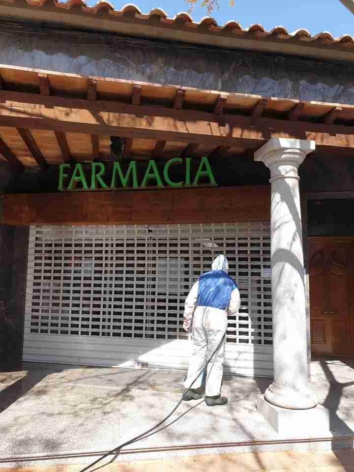 Villarta de San Juan desinfecta calles y lugares de tránsito para combatir el coronavirus 1