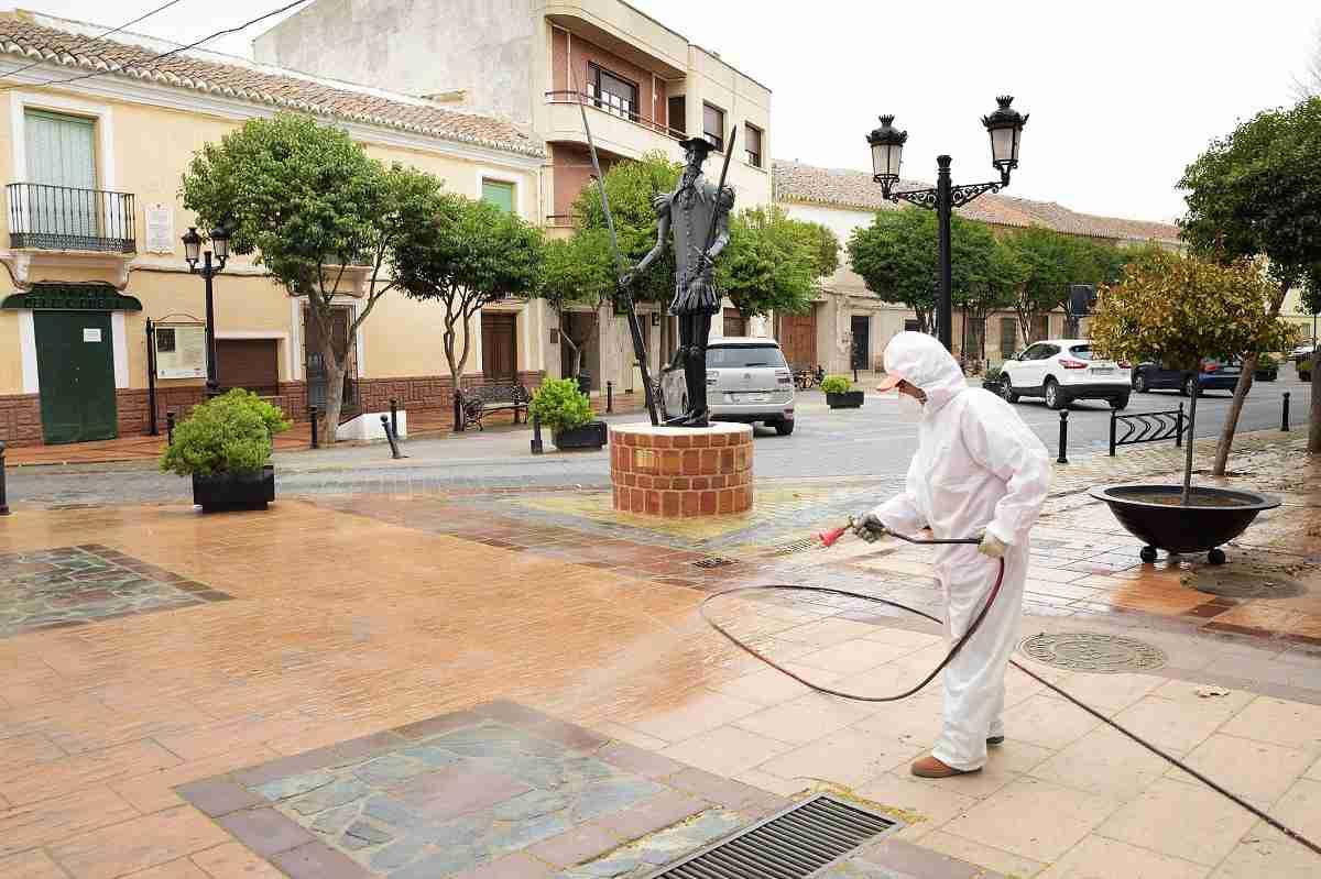 El Ayuntamiento de Argamasilla de Alba comienza las tareas de desinfección contra el COVID-19 8