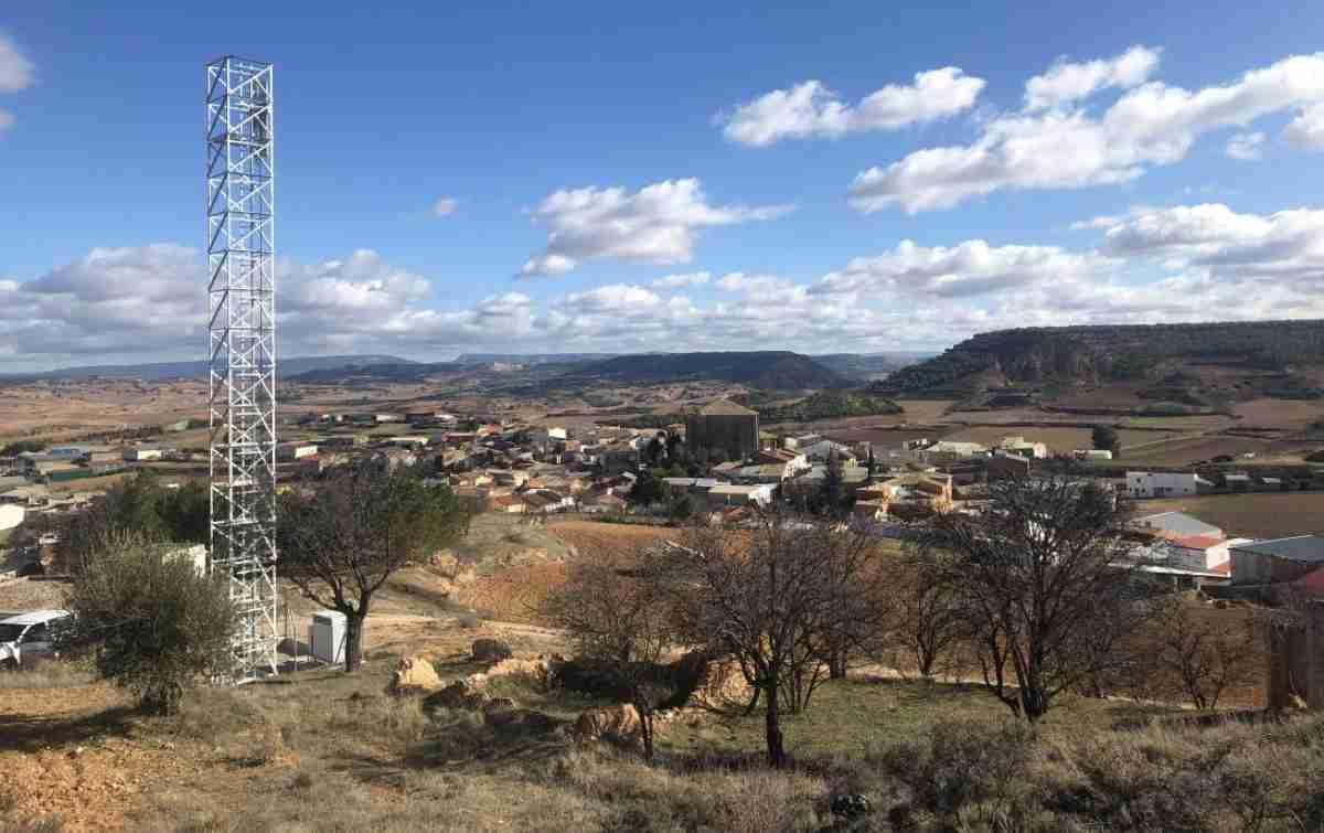 gobierno de clm referente en instalacion de banda ancha