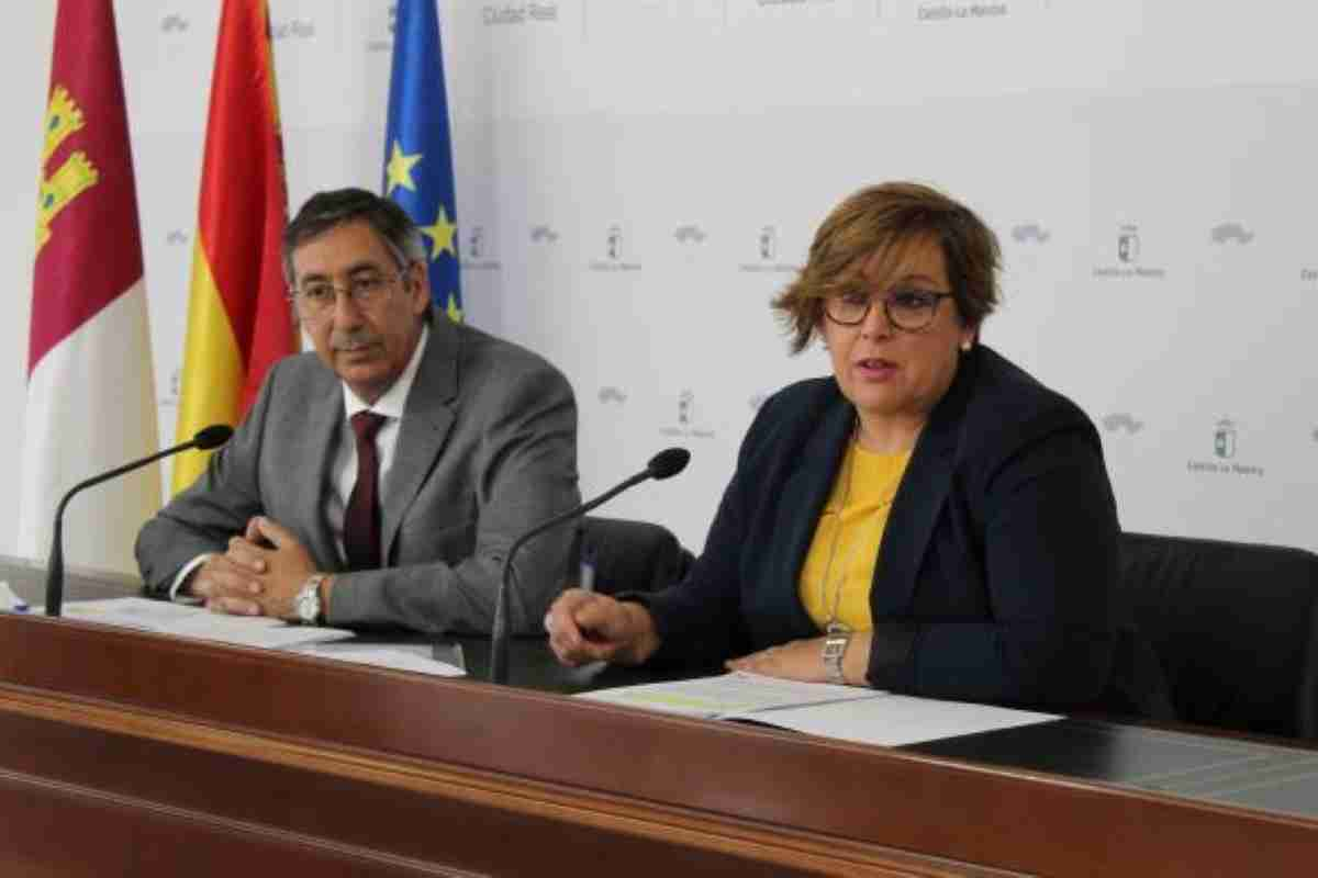gobierno regional garantiza comida de mediodia a becados de provincia de ciudad real