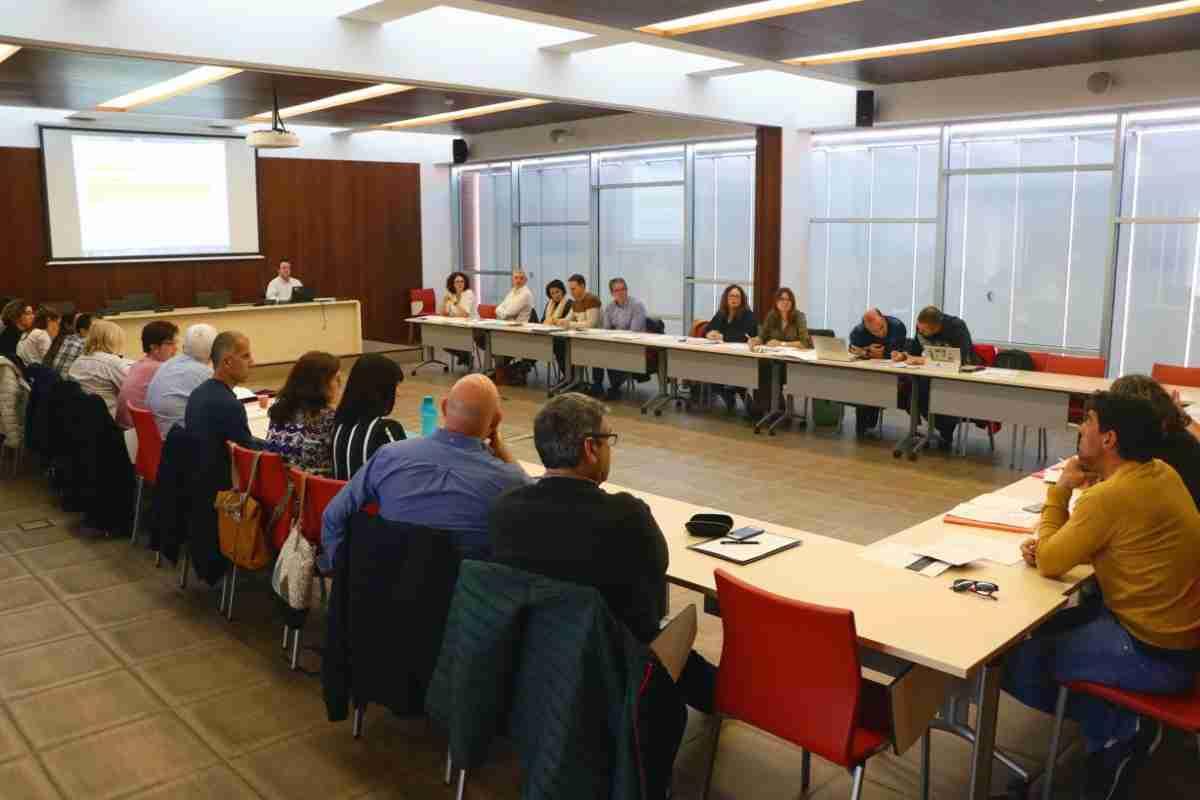 grupo de trabajo multidisciplinar para elaborar plan de actuacion en las Unidades de Fisioterapia