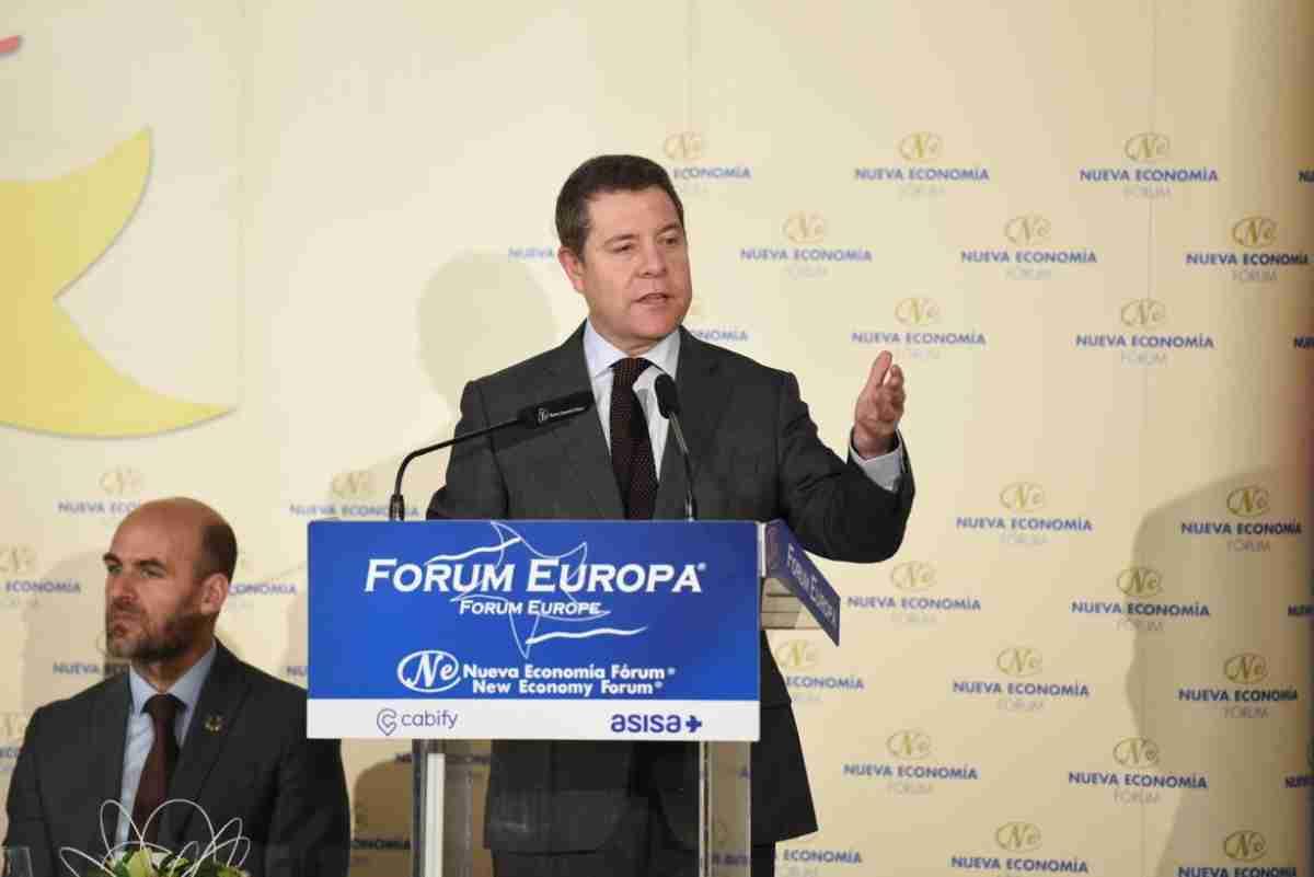 presidente de clm participo en desayuno de nueva economia forum