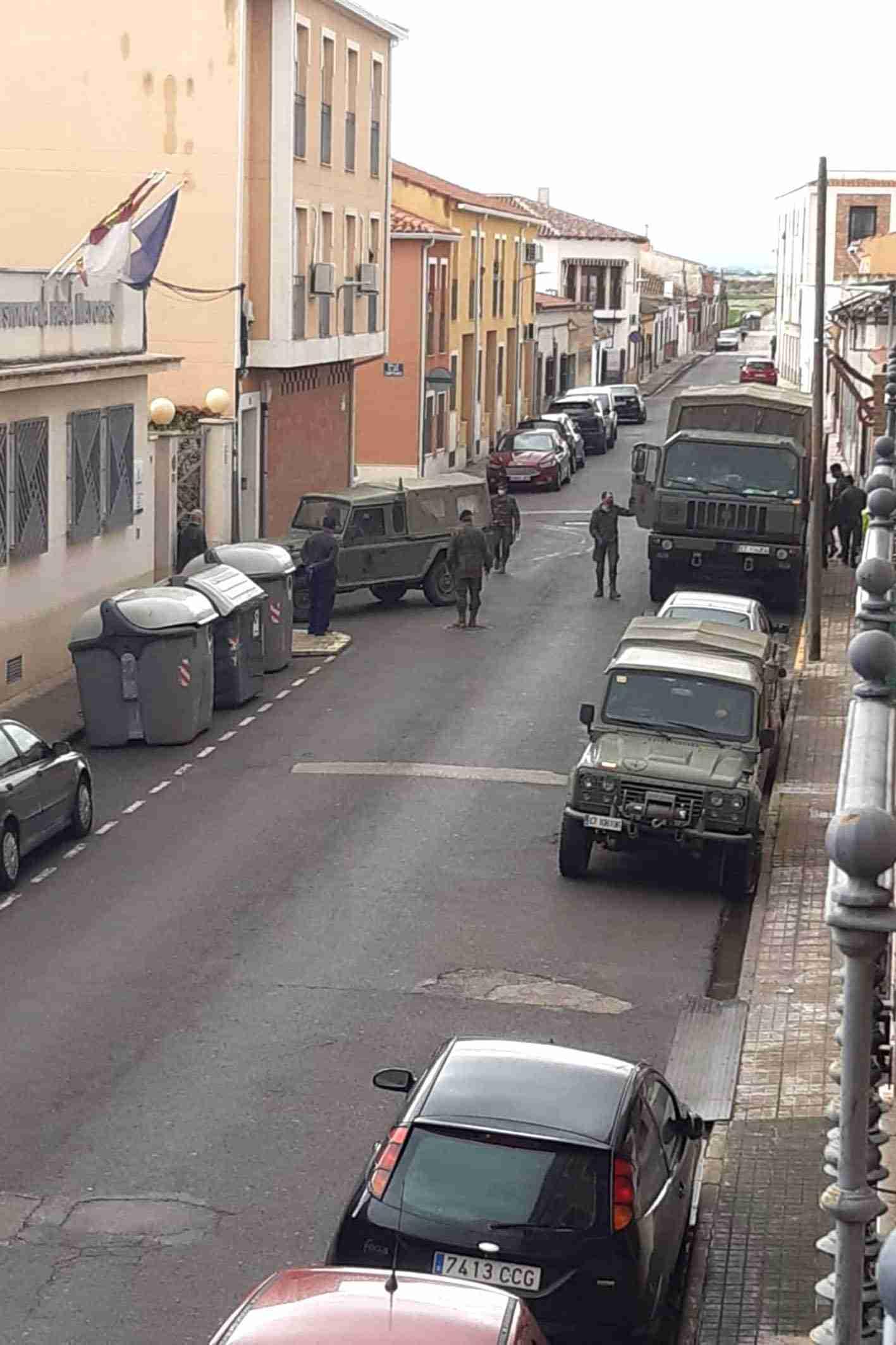 """El Ejército realiza tareas de desinfección el a Residencia de Mayores """"Virgen de Peñarroya"""" 18"""