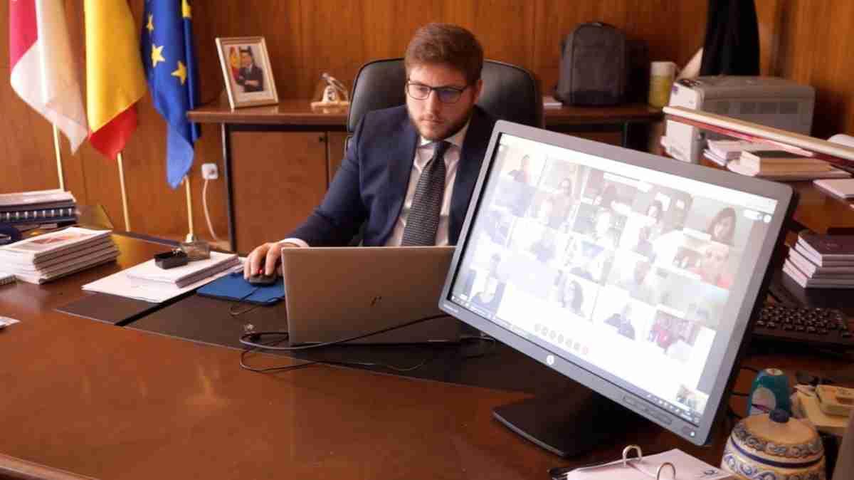 consejero de fomento informo sobre reunion de la Comision Regional de Ordenacion Territorial y Urbanismo crotu