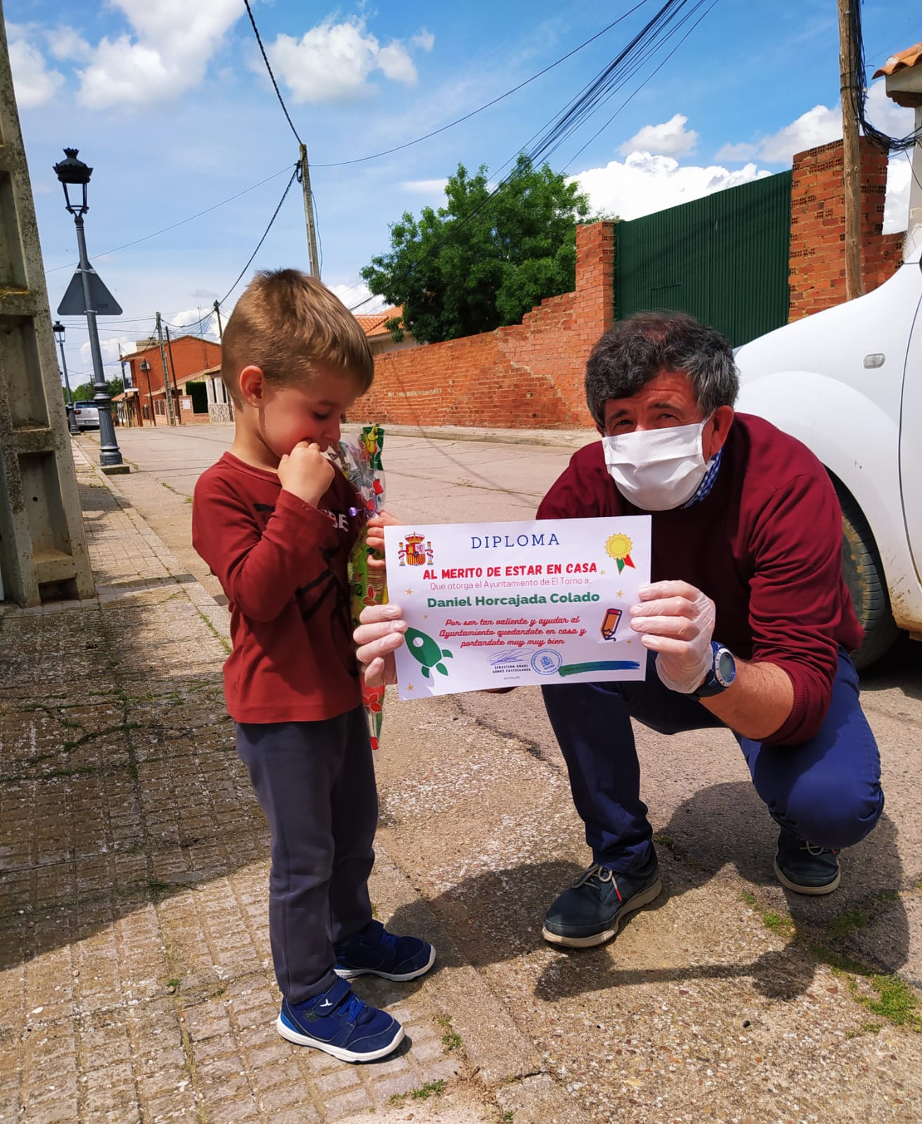 El alcalde de El Torno agradece a los niños su colaboración en la lucha contra el coronavirus 12