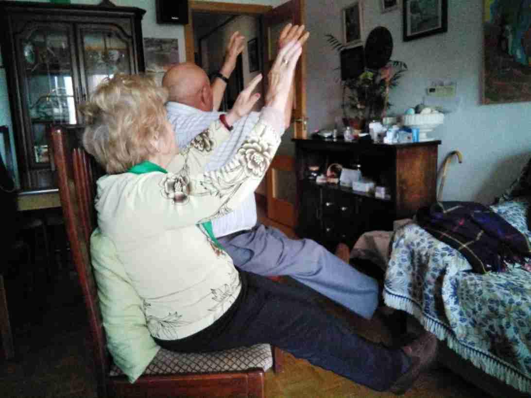 Fisioterapeutas del SESCAM elaboran consejos y tablas de ejercicio para personas mayores durante el aislamiento domiciliario 1