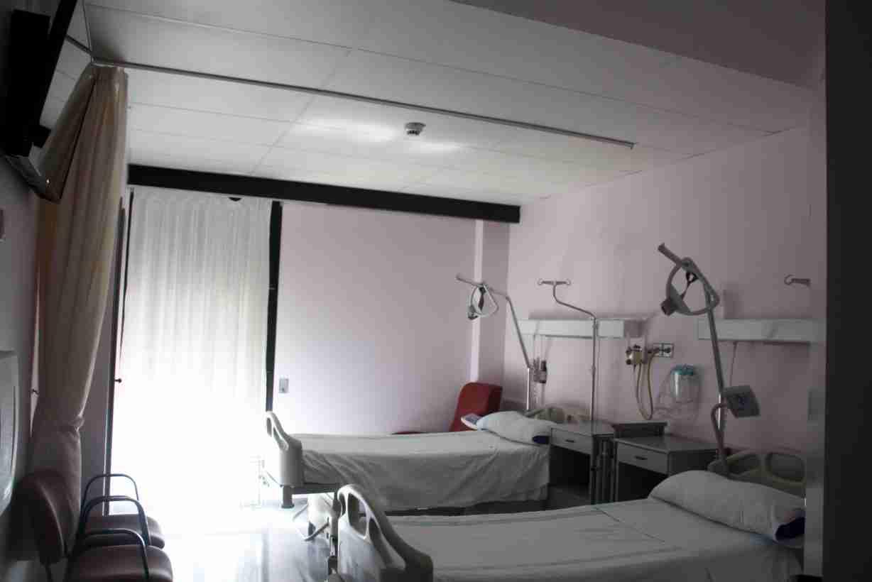 Los hospitales de Castilla-La Mancha tienen 1000 camas más instaladas y el triple de respiradores que en un mes de marzo convencional 1