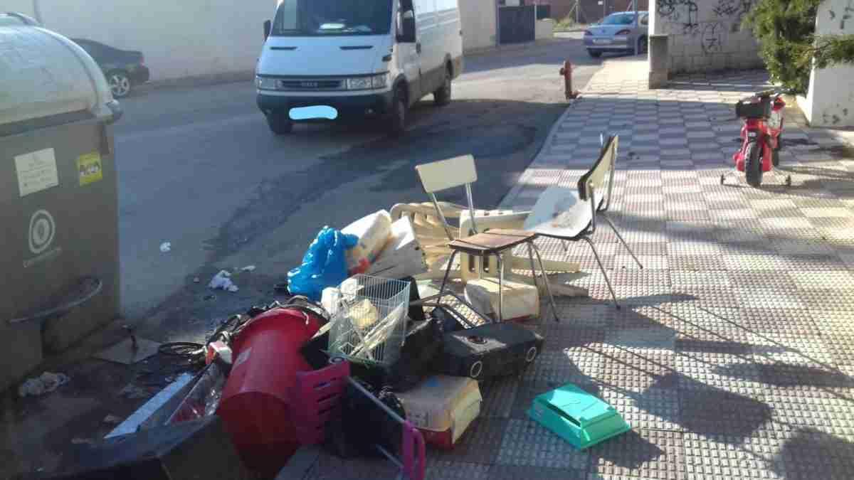 El Consistorio solicita civismo a los ciudadanos y depositar los residuos en el lugar correspondiente 2