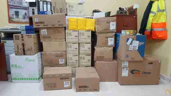 La Diputación distribuye entre todos los pueblos un primer paquete de 2.000 trajes reutilizables y 25.000 guantes 3