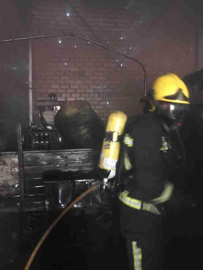 Incendio en unas cámaras frigoríficas de un almacen de verduras y frutas en Herencia 9