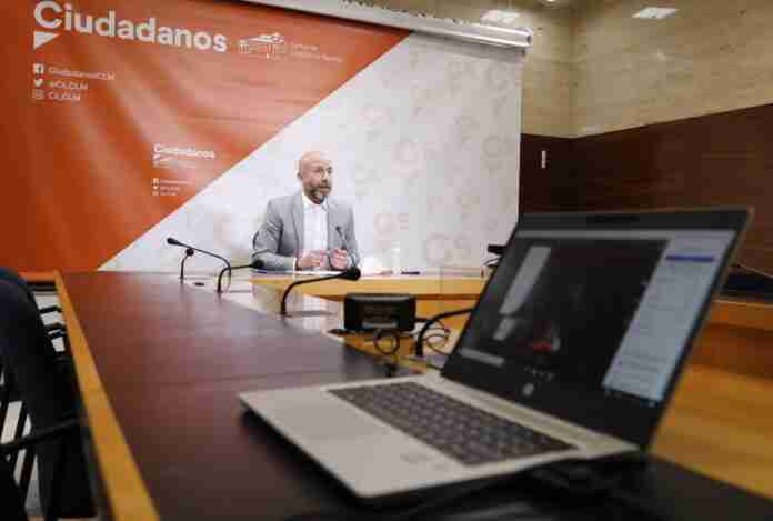 diputado zapata informa sobre ayudas Cs para igualdad de genero en el ambito laboral