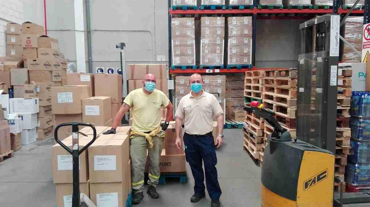 El Gobierno de Castilla-La Mancha reparte un nuevo cargamento con artículos de protección para los hospitales 3