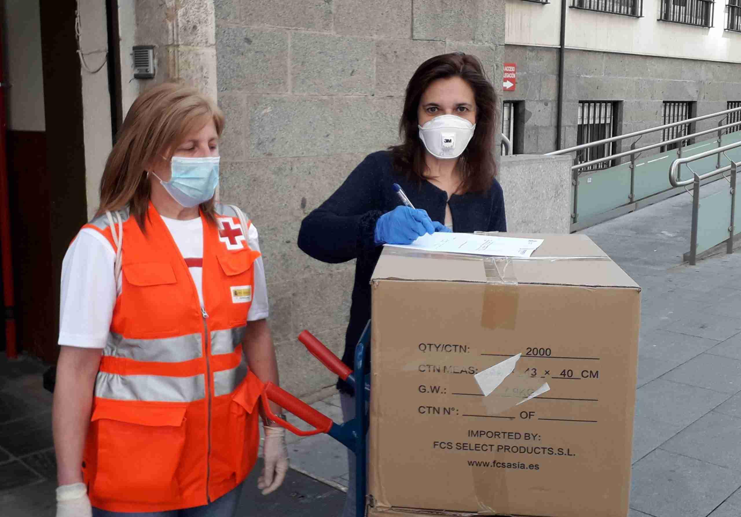La Subdelegación de Gobierno de Ciudad Real entrega 18.000 mascarillas a Cruz Roja, Cáritas y el Cermi 8