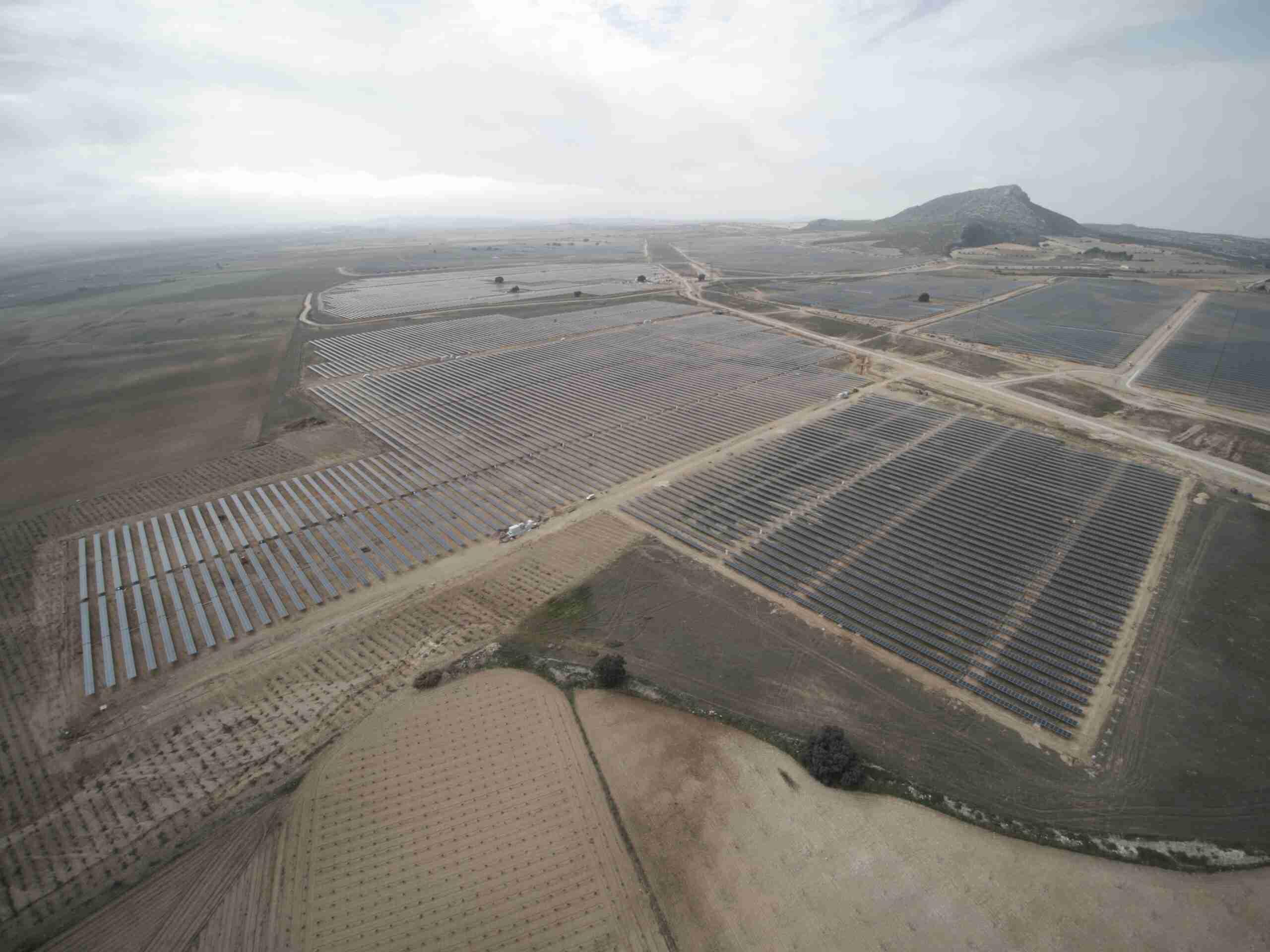 Grupo Zaragozá energiza su primera planta fotovoltaica en España durante el Estado de Alarma 3