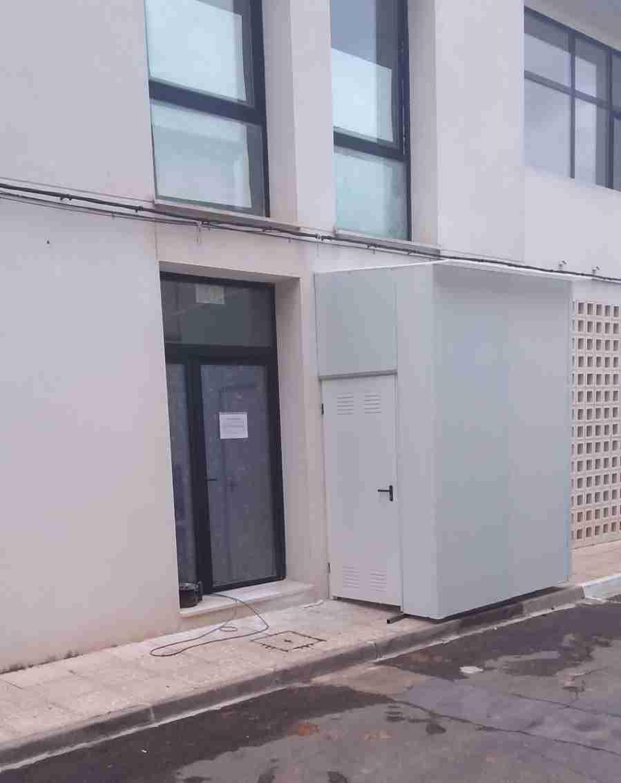 Granátula instala una caseta provisional para que los familiares puedan ver a sus mayores de la Residencia 2