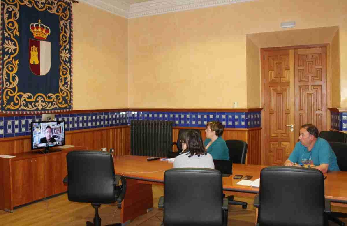 reuniones telematicas ejecutivo regional y profesionales de centros de la mujer de cr