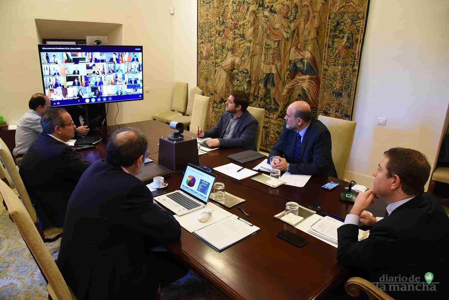Videoconferencia de los presidentes autonómicos con el presidente del Gobierno de España 21