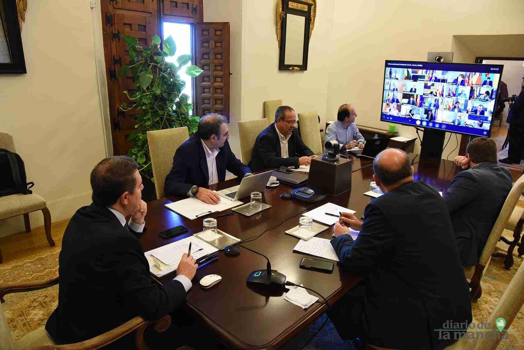 Videoconferencia de los presidentes autonómicos con el presidente del Gobierno de España 22