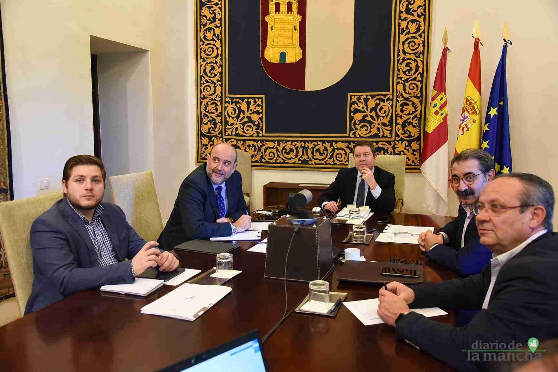 Videoconferencia de los presidentes autonómicos con el presidente del Gobierno de España 23