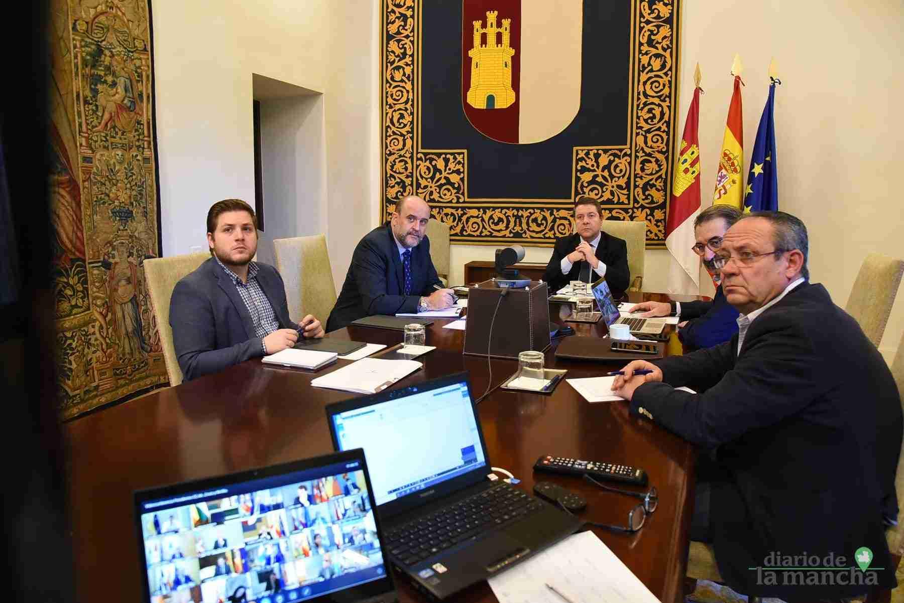 Videoconferencia de los presidentes autonómicos con el presidente del Gobierno de España 24