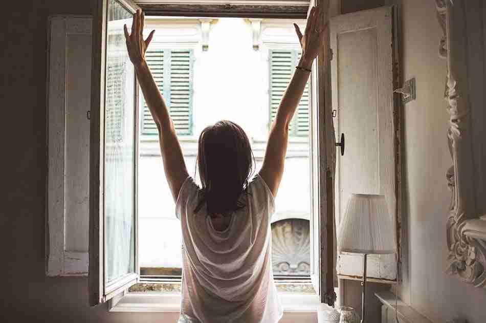 alergia y decoración, ventilar, ventana