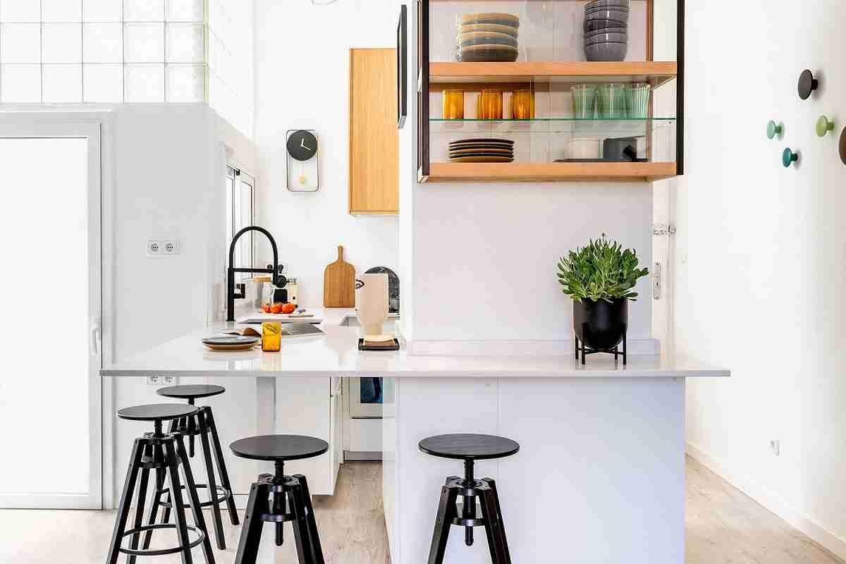 Cómo organizar una cocina sin muebles altos 29