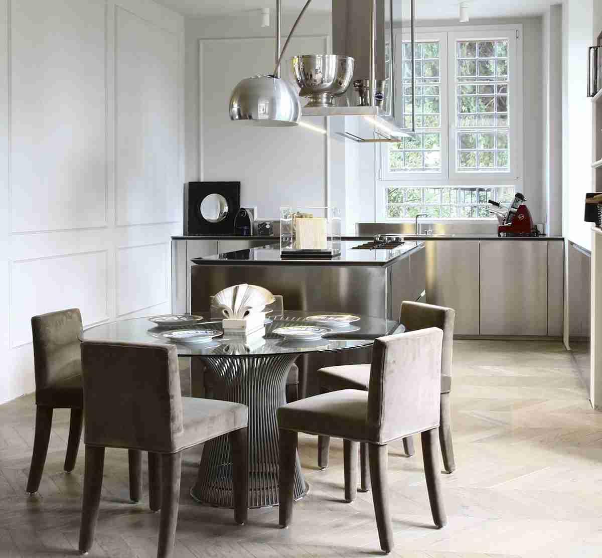 Cómo organizar una cocina sin muebles altos 36