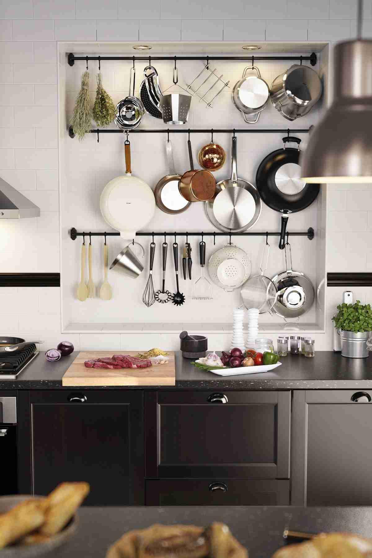 Cómo organizar una cocina sin muebles altos 38