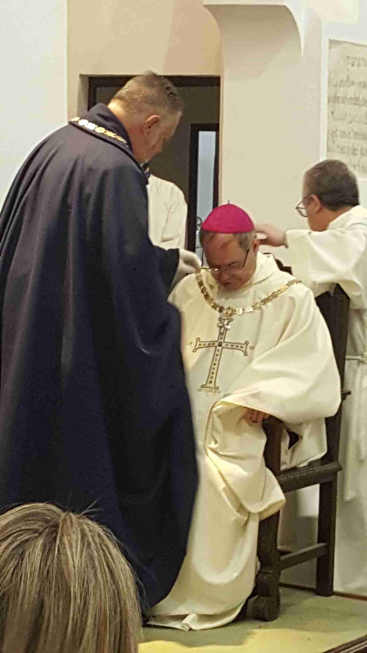 Entrega del Collar de la Hermandad Mozárabe al Arzobispo de Toledo, Mons. Don Francisco Cerro Chaves 8