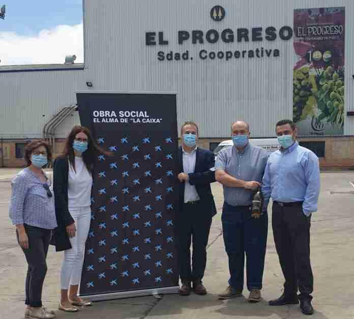caixabank colabora el progreso donacion aceite villarrubia