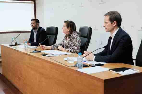 El Gobierno regional va a repartir cerca de 36.900 mascarillas a los centros educativos y a las universidades para la celebración de la EVAU 1