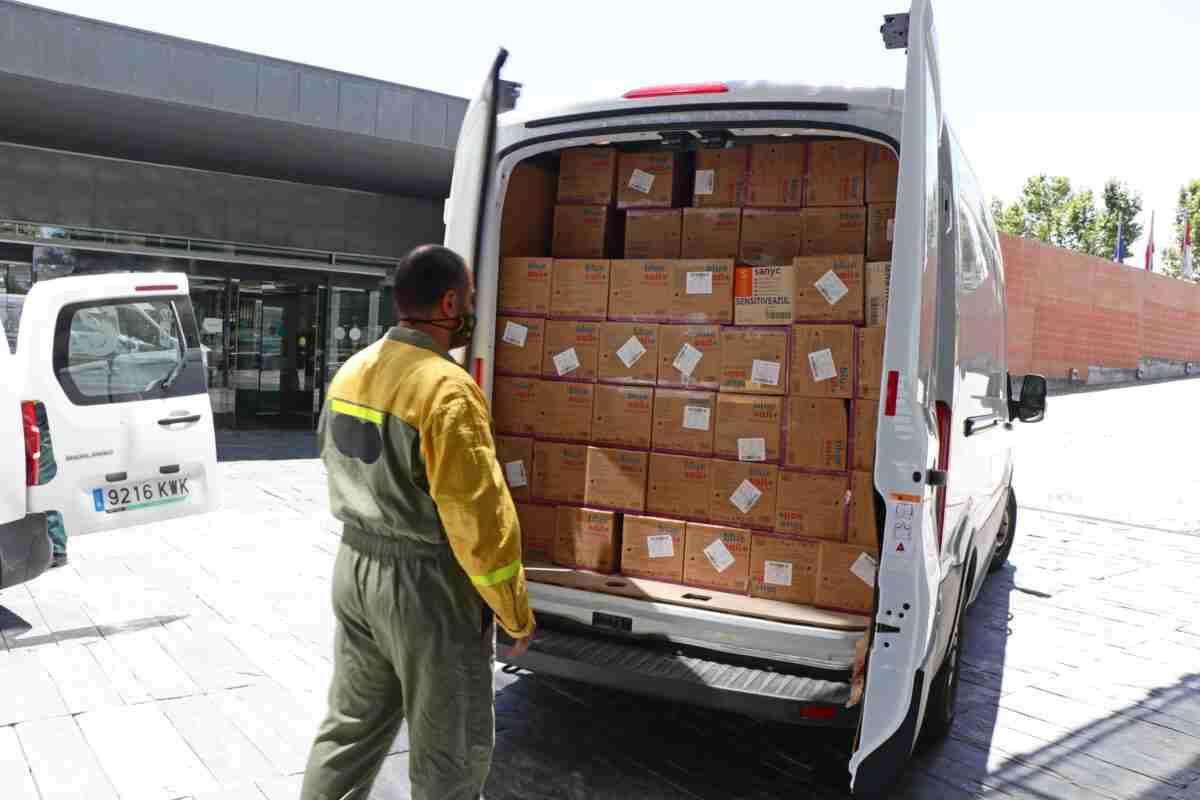 En las últimas dos semanas, el Gobierno regional distribuyó más de 6,5 millones de artículos de protección para profesionales sanitarios 1