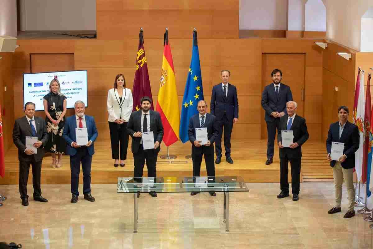 El Gobierno regional, PSOE y Ciudadanos acordaron la creación de grupos de trabajo para el diseño de una estrategia de recuperación después del COVID-19 1