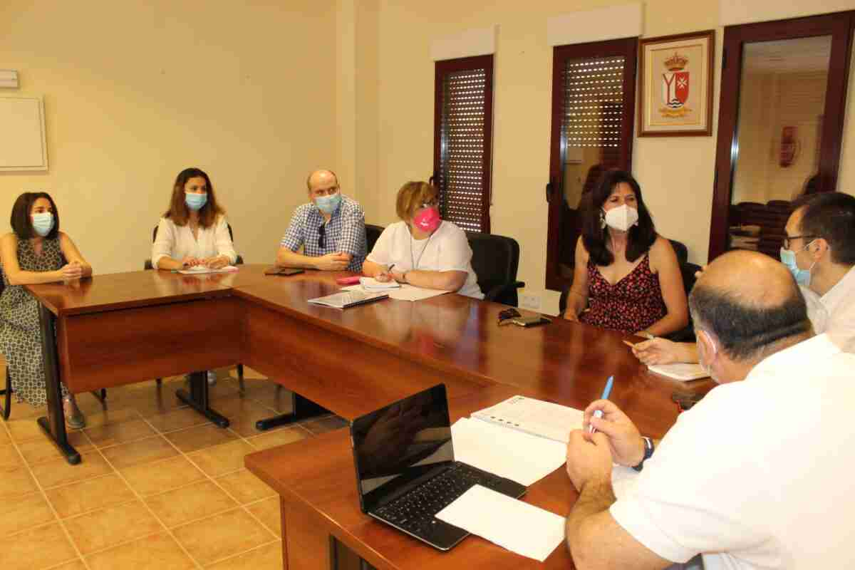 El Gobierno regional y Ayuntamiento de Ruidera analizan aspectos de seguridad, limpieza y telecomunicaciones en el Parque Natural de las Lagunas 2